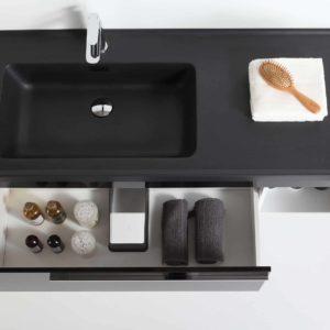 ארון אמבטיה שחור דגם אוניקס מבט על פתוח