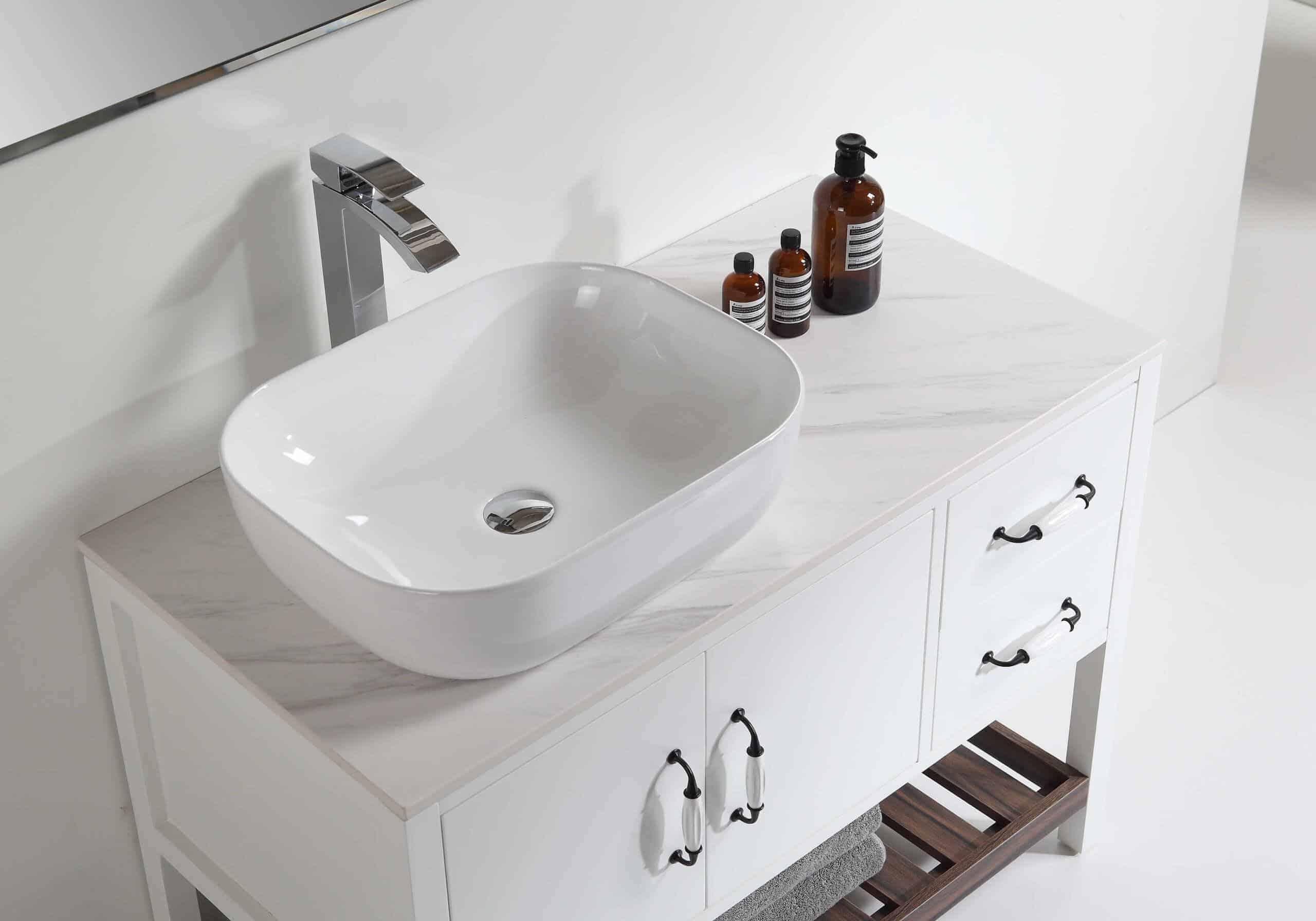 ארון אמבטיה ונילה